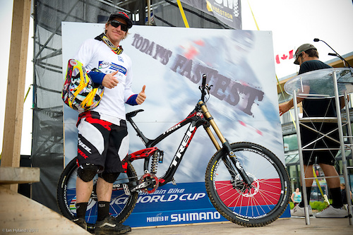 Aaron Gwin, stoked on his win and the new bike!