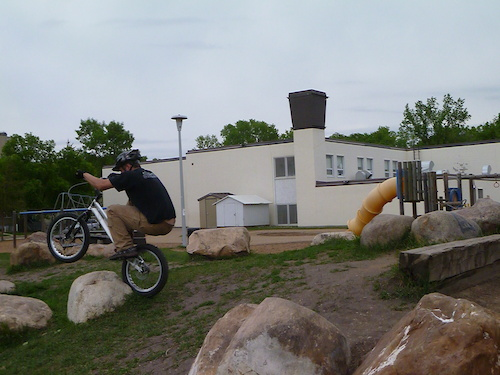 aaron working a wicked gap! :D