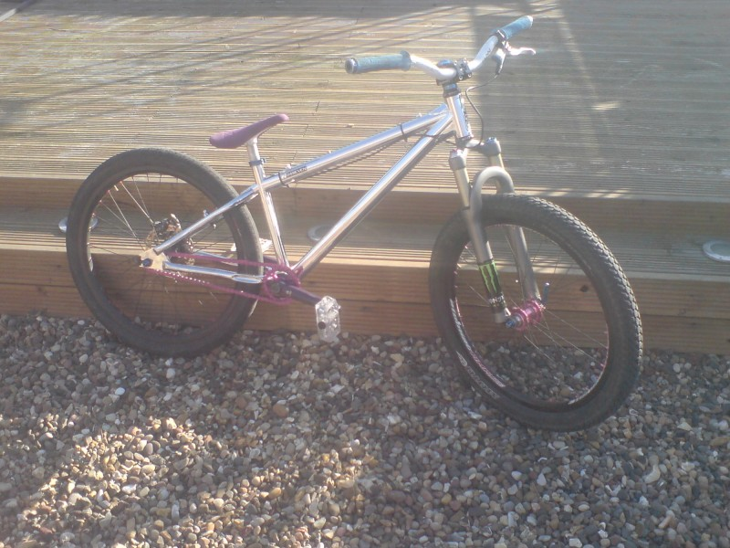 my bike with the new 24seven frame and eclat cranks =]