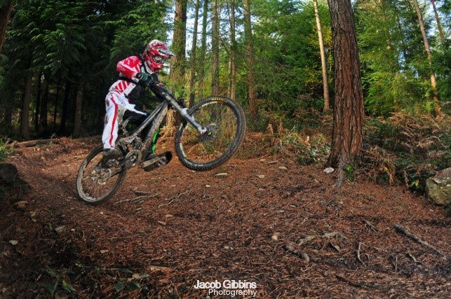 Some photos of Luke riding out at tavi woodlands. 