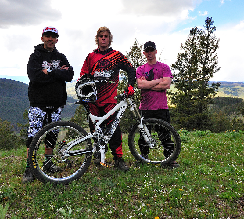Your 2010 PerfromX Downhill Team: Owner/Manager Todd Schumlick, Remi Gauvin and Co-manager/Coach Ryan Kuhn. Image: Chris VanLuven
