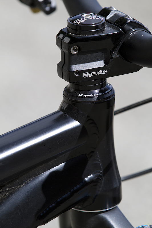 Semi integrated headset and Gravity stem