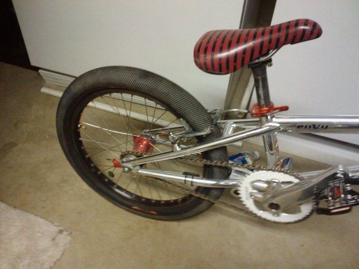 2.225 rear tire on the rear of my envy haha