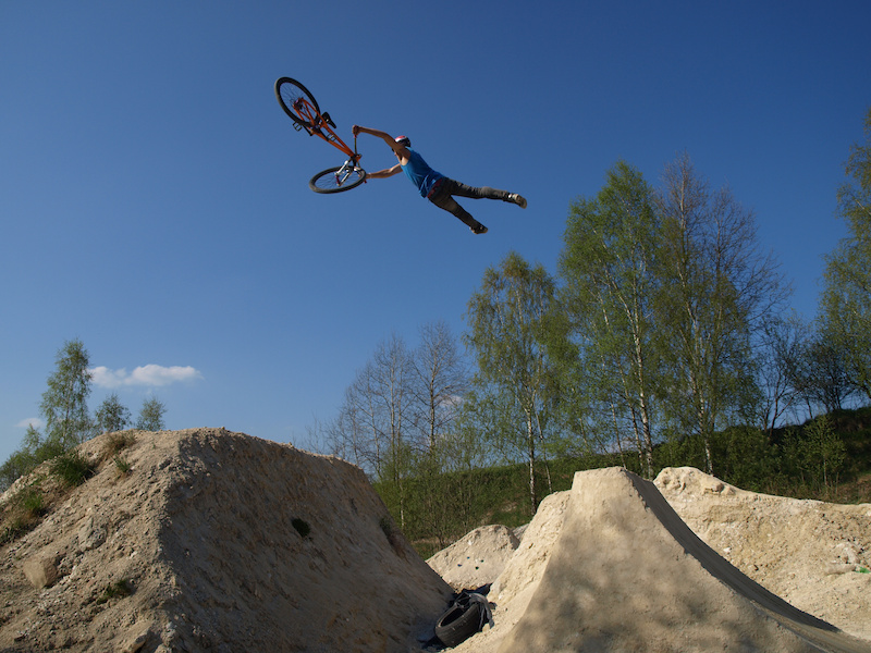 "Tailwhip cancan by Thomas ""Leader"" Zejda. Photo by Zdenek Vit."