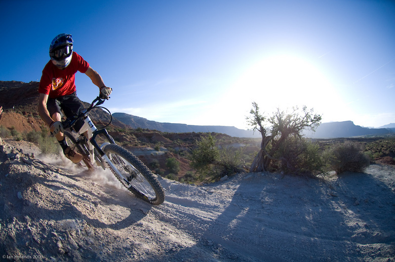 Eric Porter ripping trail in the early morning light in Utah