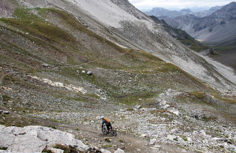 Our first alpine singletrack in Lenzerheide was certainly aesthetic - 650m descent to Alplisee then on to Arosa from the tunnels