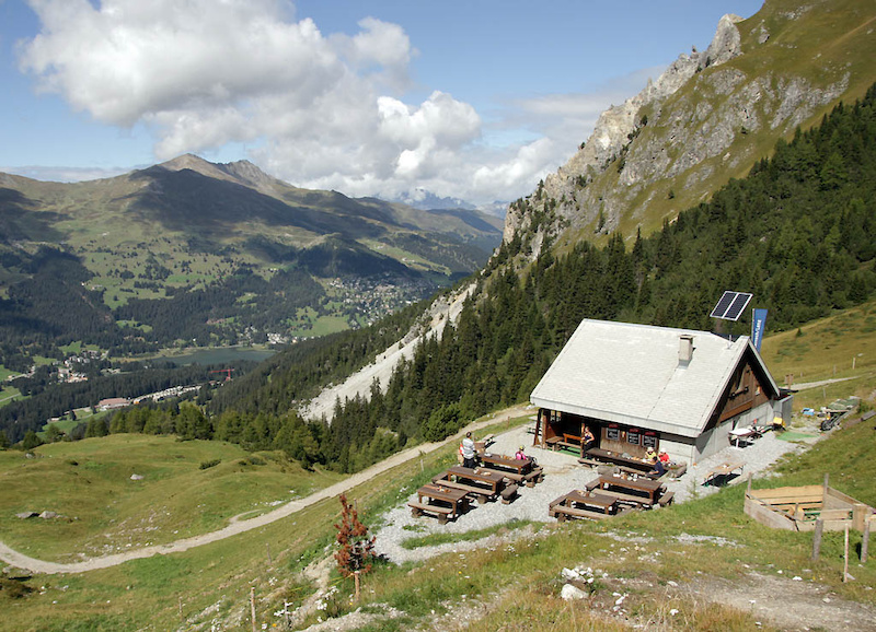 Restaurant Sanaspans is your basic Swiss alpine restaurant at a little over 2000m