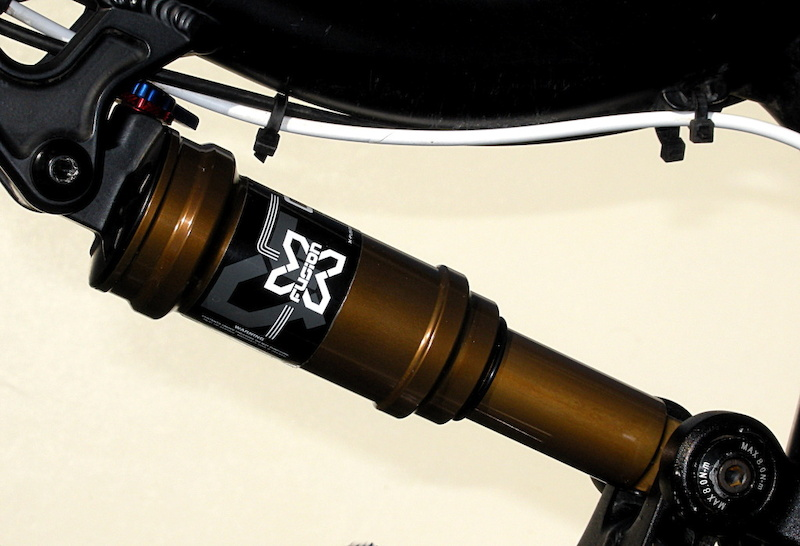 We asked about the super slick coating on the 2013 O2 RL shock. John Hauer said that X-Fusion is currently deciding on where to use it on their fork and shock lineup. While he proffered no secrets on what the coating was, he did say that there would be no extra charge for it.