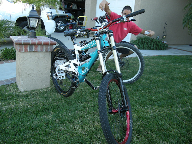 My new DH Bike, Yeti 303 RDH.   Guest appearance by Z-WAAAAAZ