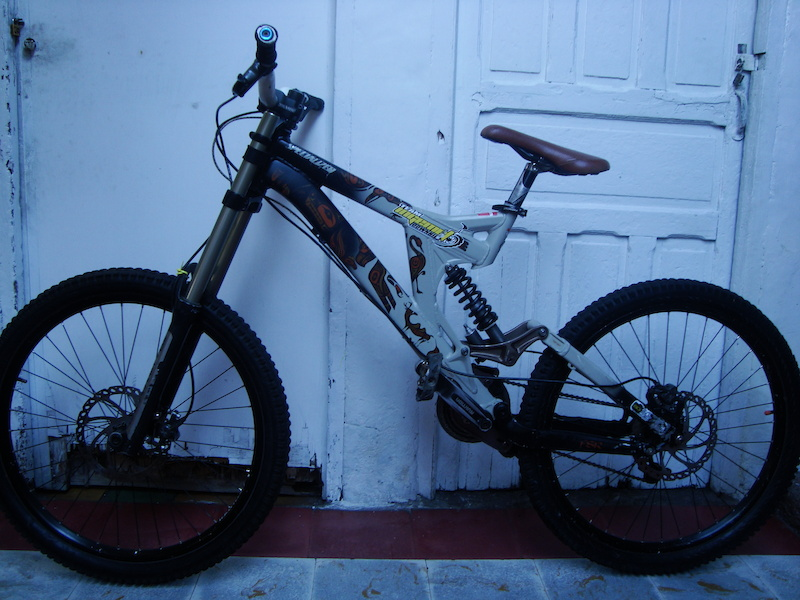 se vende big hit Modelo 2008 EN PERFECTO ESTADO info: 3177049823