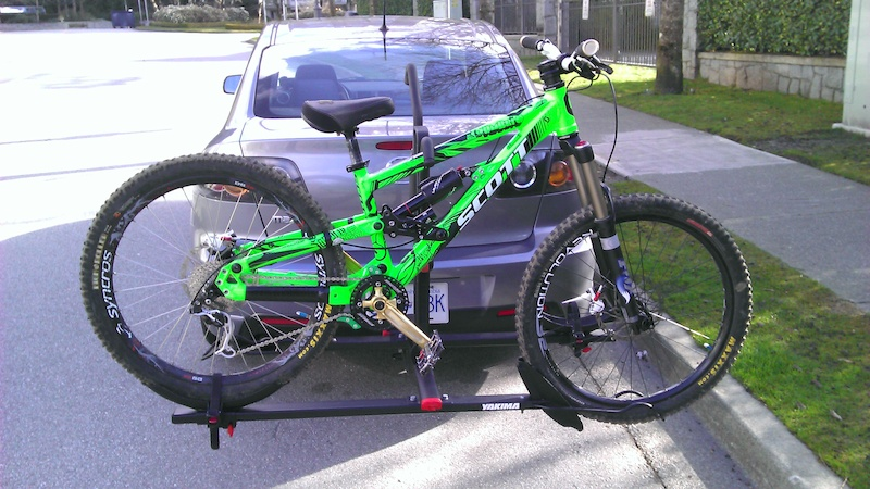 About to go shred the new bike for the first time. I have since swapped out my old grimy Transition seat and seatpost seen here! 