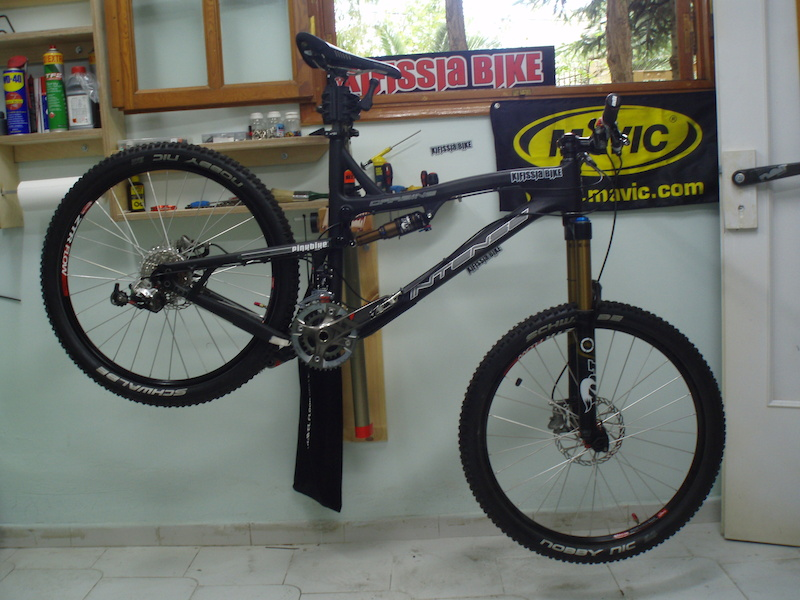Intense Carbine,FOX Talas RLC Fit Kashima,Indrusty Nine-Ztr Flow Rims,SRAM XX Groupset,Twenty6 pedals