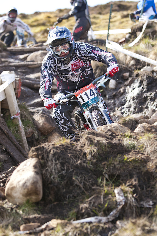 sda dh race