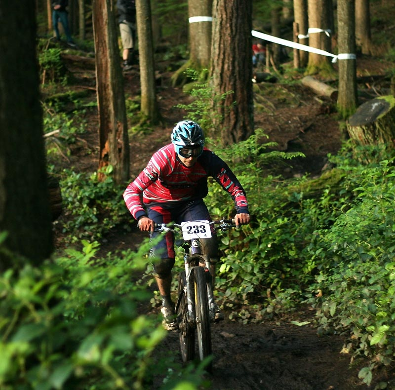 Chainless DH time trial on the Richard Juryn trail - More http://www.northshoreripper.com/trilogy/chainless-downhill - 