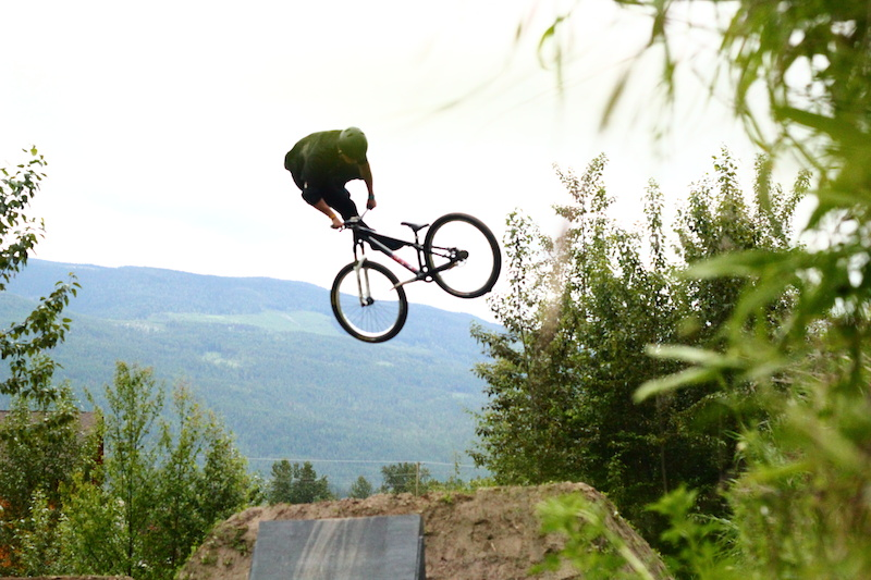 unfocused 3 Whip