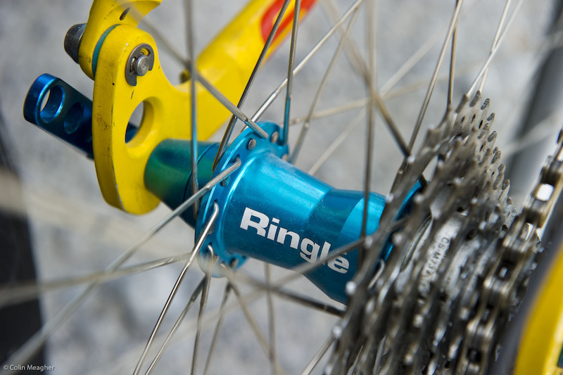 Sun Ringle hub anodyzed a nice blue to match the rest of the bike.