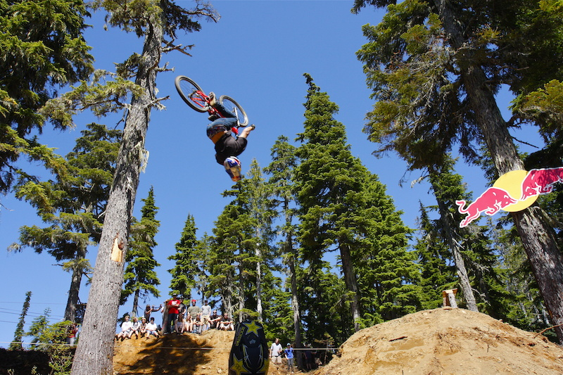 Yannick back flips the big double the BearClaw Invitational