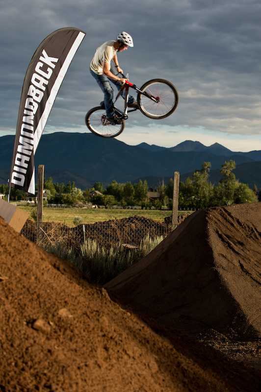 Pinkbike contest winner, Ted, throwing down at the Diamondback 2013 product launch
