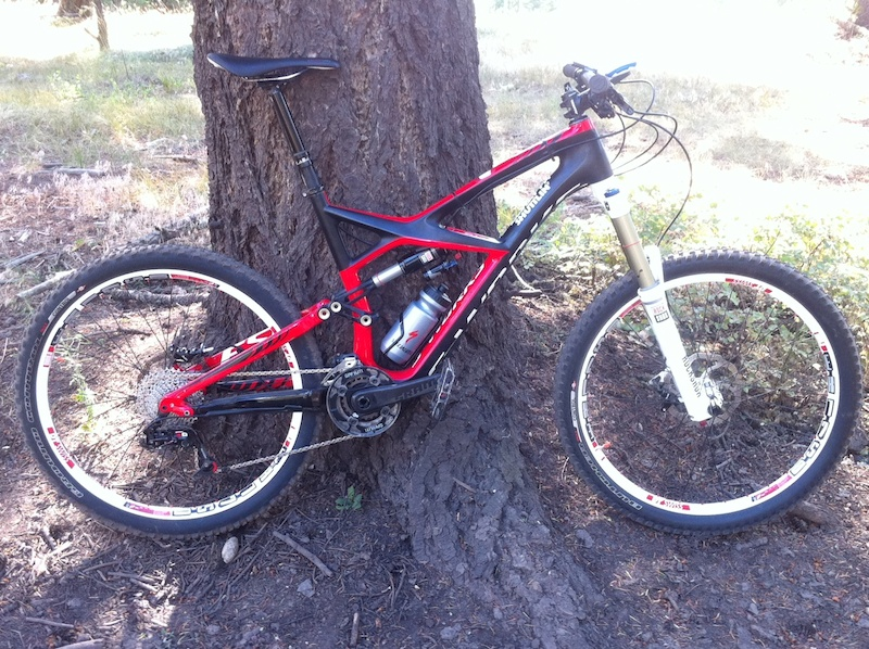 Hurt for Vert 2 3 begins with this bike   2013 Specialized Enduro carbon