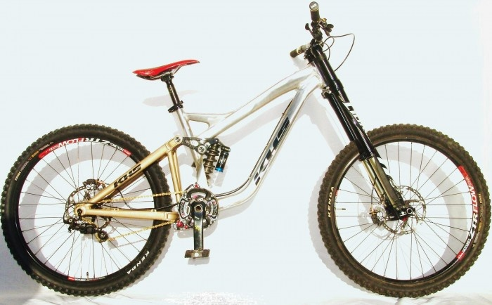 THE FUTURE! 1st 650B Downhill Bike in the World.