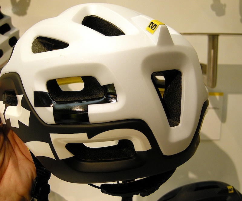 Mavic Notch helmet back view