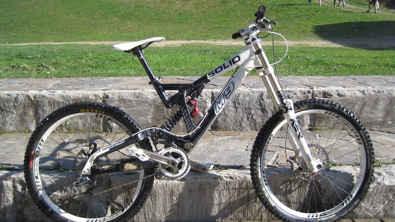 2011 Solid Mission 9 Downhill Bike Boxxer R2c2 S X 9 Elixirs 900