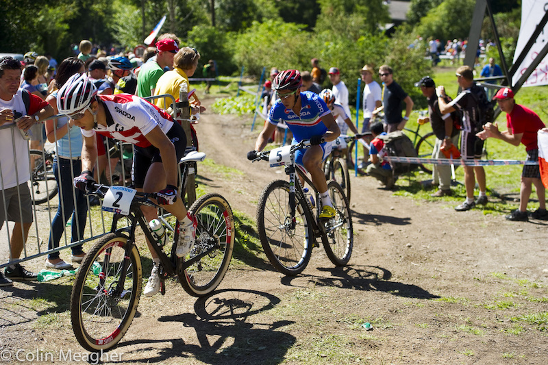 Ain't no one in that rear view mirror...Schurter and Fontana worked together to distance themselves from the chasers.