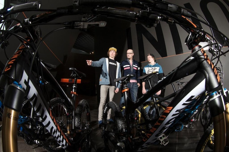 Thomas Anton and Roman Arnold at the first handover of their bikes Copyright Markus Greber