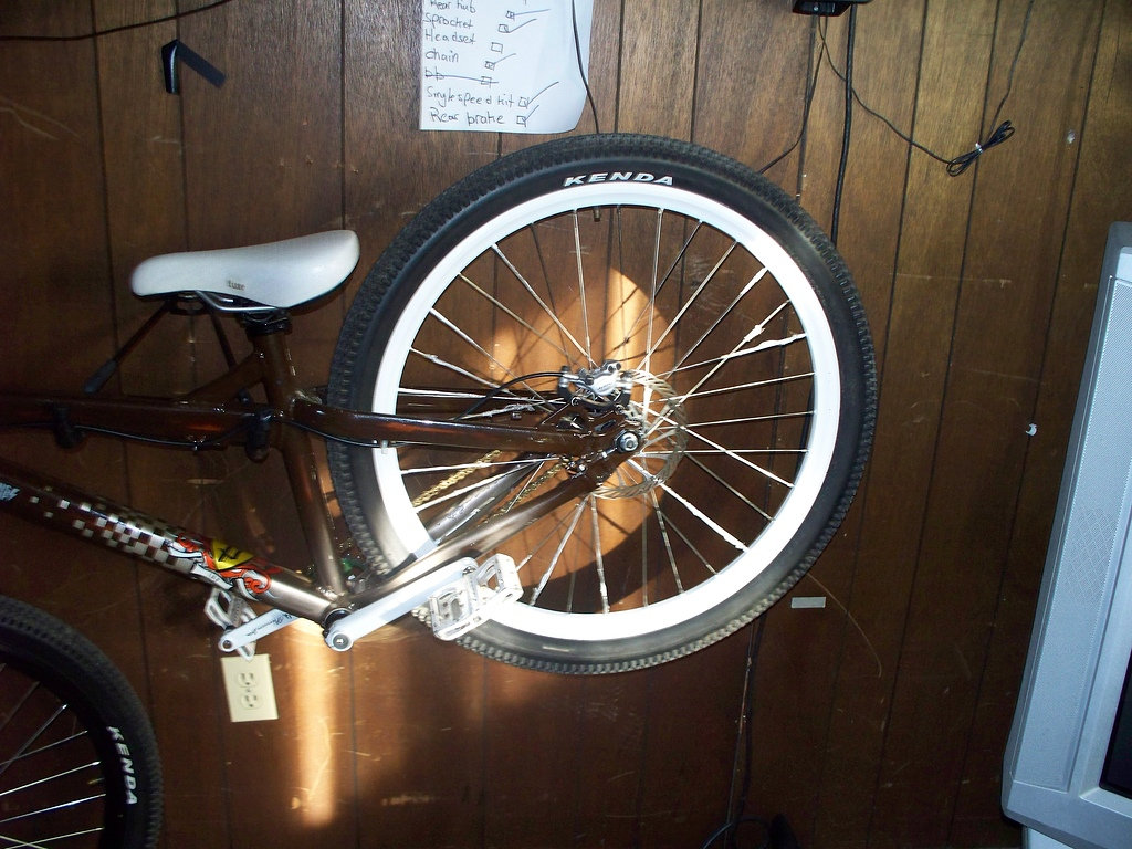 my finished rim. there is still some tape on the spokes because i used some celephane tape, and its impossible to get off, so im leaving it for another day