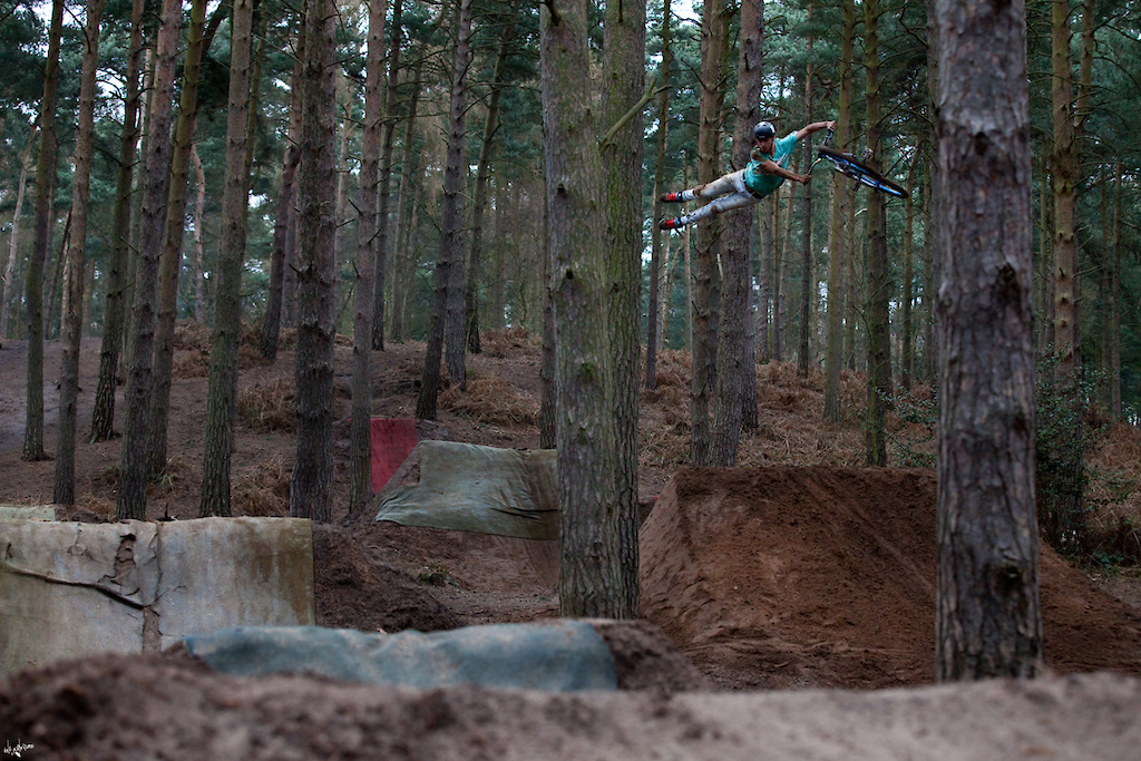 Super/can whip at Chicksands - Photo By Simon Nieborak // www.delayedpleasure.com