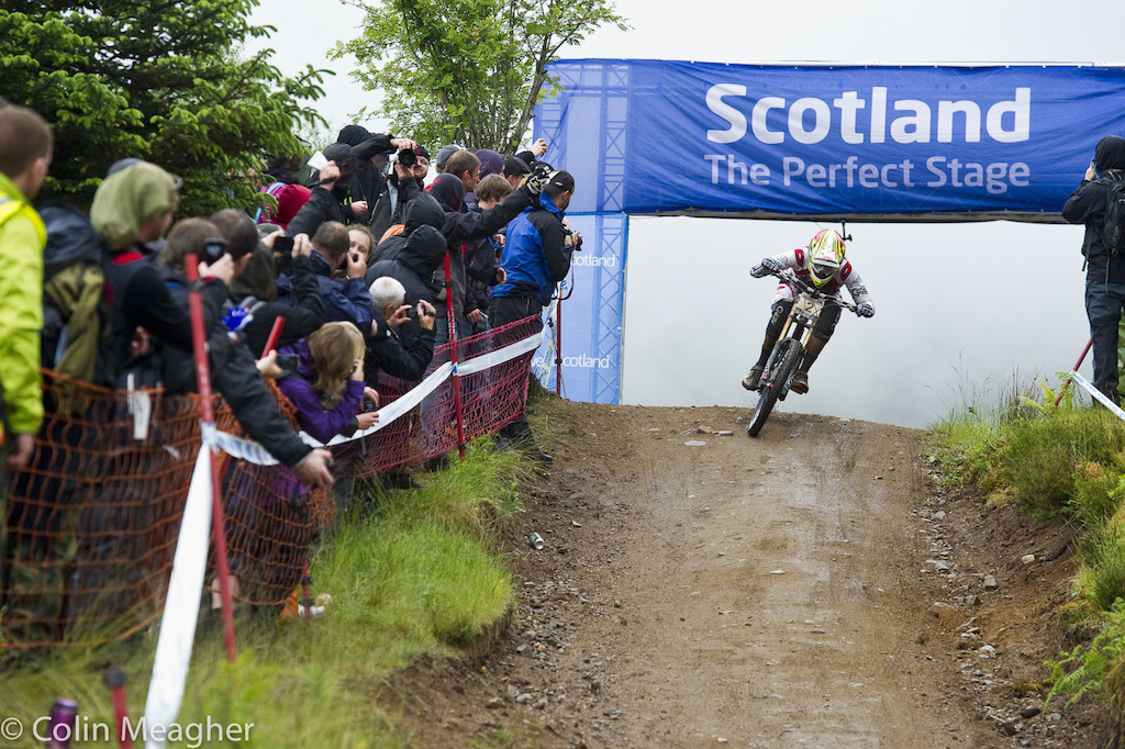 Greg Minnaar has owned this mountain in times past. Bit not today. Minnaar finished .067 seconds back.