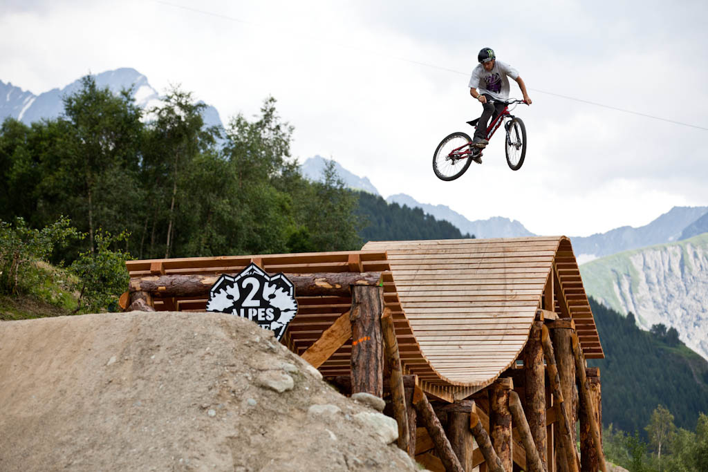 Cam Zink warming up during Slopestyle practice at Crankworx Les 2 Alpes
