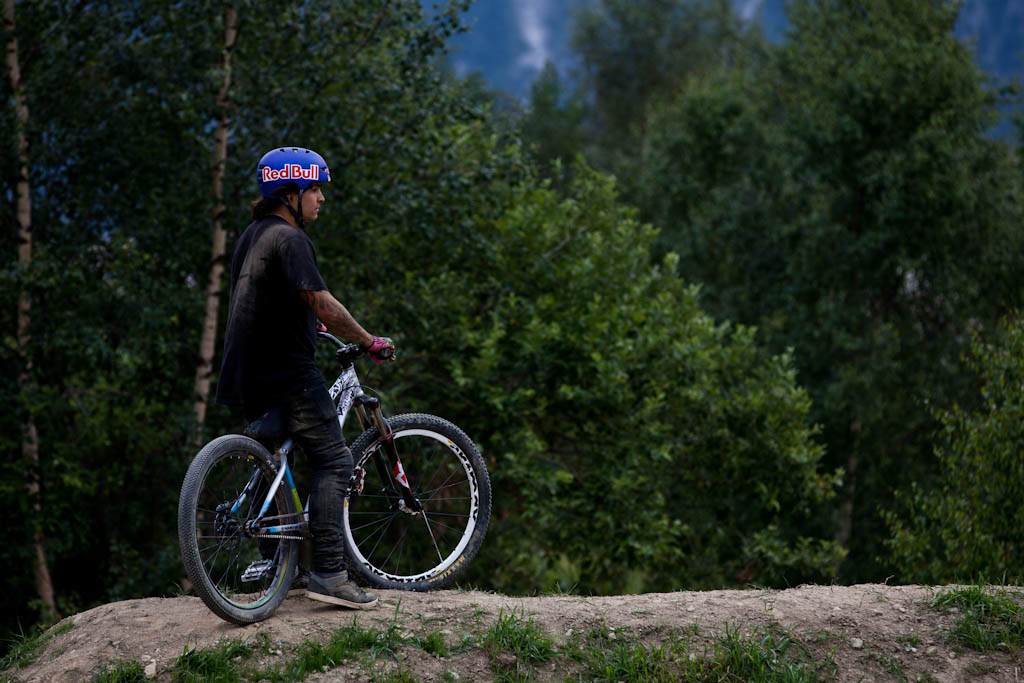 Andreu thinks about things during Slopestyle practice at Crankworx Les 2 Alpes