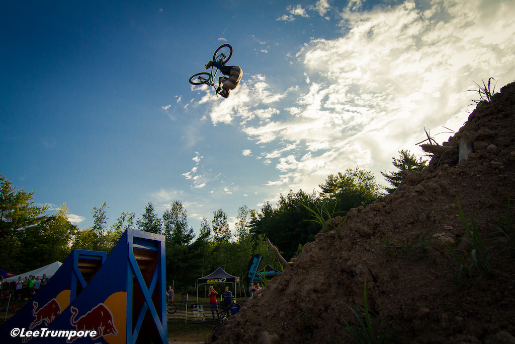 van Steenbergen threw down a huge front flip bar spin TWICE for 2nd place in the best place competition.