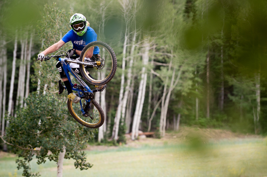 Kelly Mcgarry flat out on the 2013 Diamondback Scapegoat