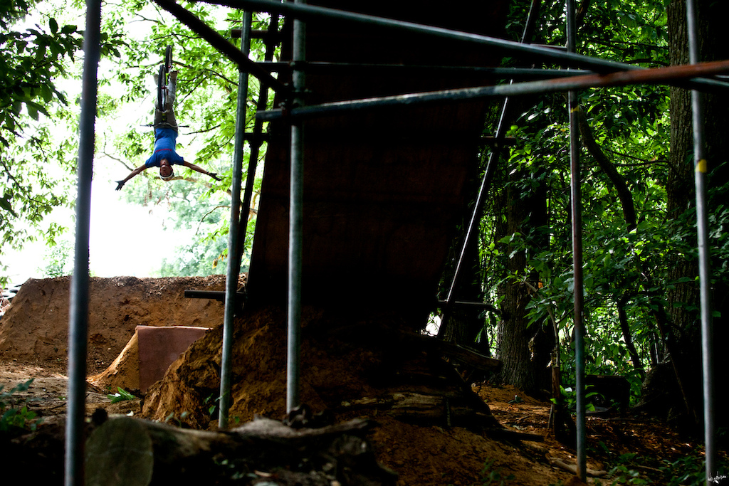 backflip tuck-no-hander www.delayedpleasure.com