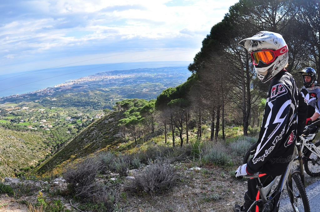 Few photos for a photo article on riding in South Spain Malaga with RoostDH