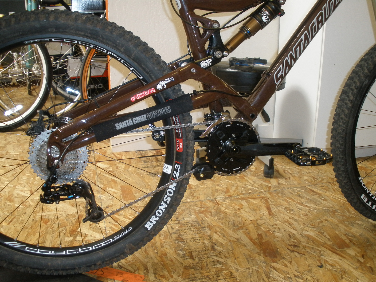 New drivetrain on the Nickel. X.0 10-speed medium cage derailleur, XT 2x front derailleur, E.13 22x36 Shiftrings, E.13 TRS+ Dual guide.